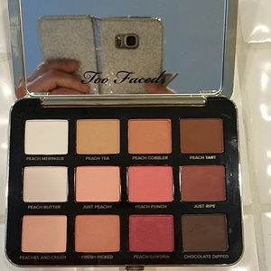 Too faced just peachy matter eyeshadow pallete